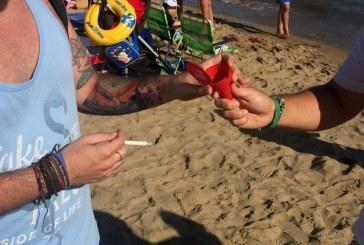 Juventudes Socialistas de Ayamonte llevan a cabo la campaña de concienciación ambiental en las playas de nuestro litoral.