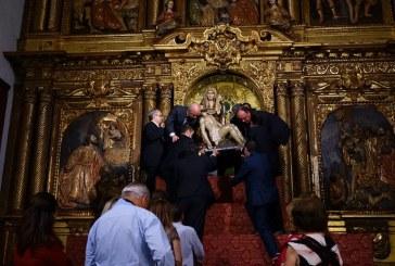AYAMONTE ACOMPAÑÓ A SU PATRONA EN SU TRADICIONAL BAJADA DE SU CAMARÍN