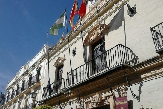 Arriada la bandera de la Unión Europea en el ayuntamiento de Ayamonte