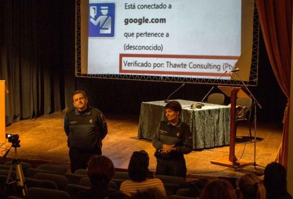 LA GUARDIA CIVIL ADVIERTE A LOS MENORES DE AYAMONTE SOBRE LOS PELIGROS DE INTERNET