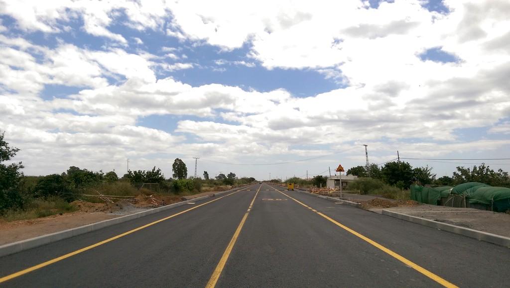 RECTA FINAL DE LOS TRABAJOS DE CONSTRUCCIÓN DE LA CARRETERA DE PUNTA DEL MORAL
