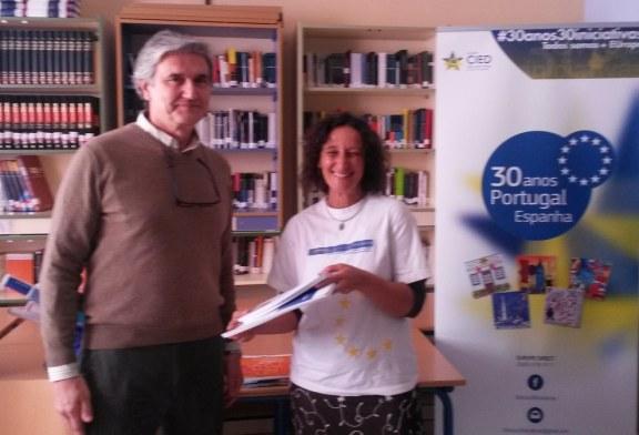 LAS BIBLIOTECAS DE LOS INSTITUTOS DE AYAMONTE RECIBEN PUBLICACIONES EUROPEAS EN LENGUA PORTUGUESA