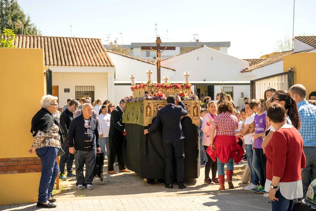 EL CRISTO DE LA PACIENCIA PROCESIONÓ POR LAS INSTALACIONES DE APROSCA, EN AYAMONTE