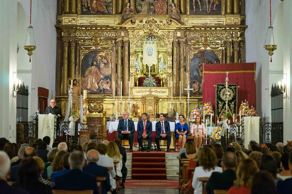 EL SACERDOTE FELIPE ORTIZ PREGONÓ A LA HERMANDAD DEL ROCÍO DE AYAMONTE