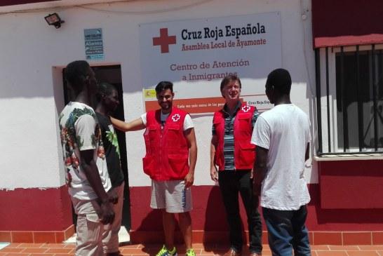 Voluntari@s de la Asamblea Local de Cruz Roja en Ayamonte colaboran en el Programa de Ayuda Humanitaria.